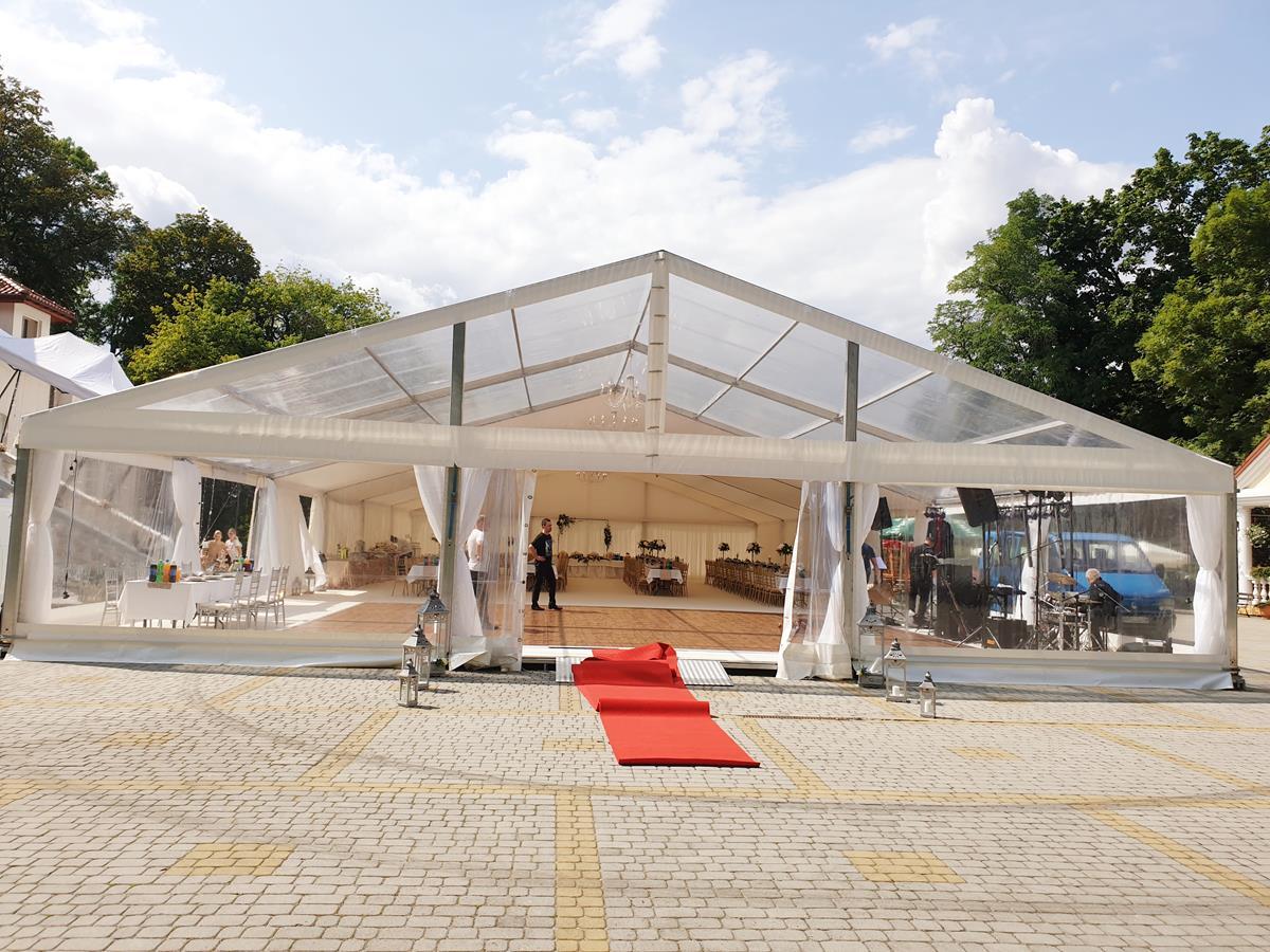 Wynajmij halę namiotową na wydarzenie organizowane w plenerze