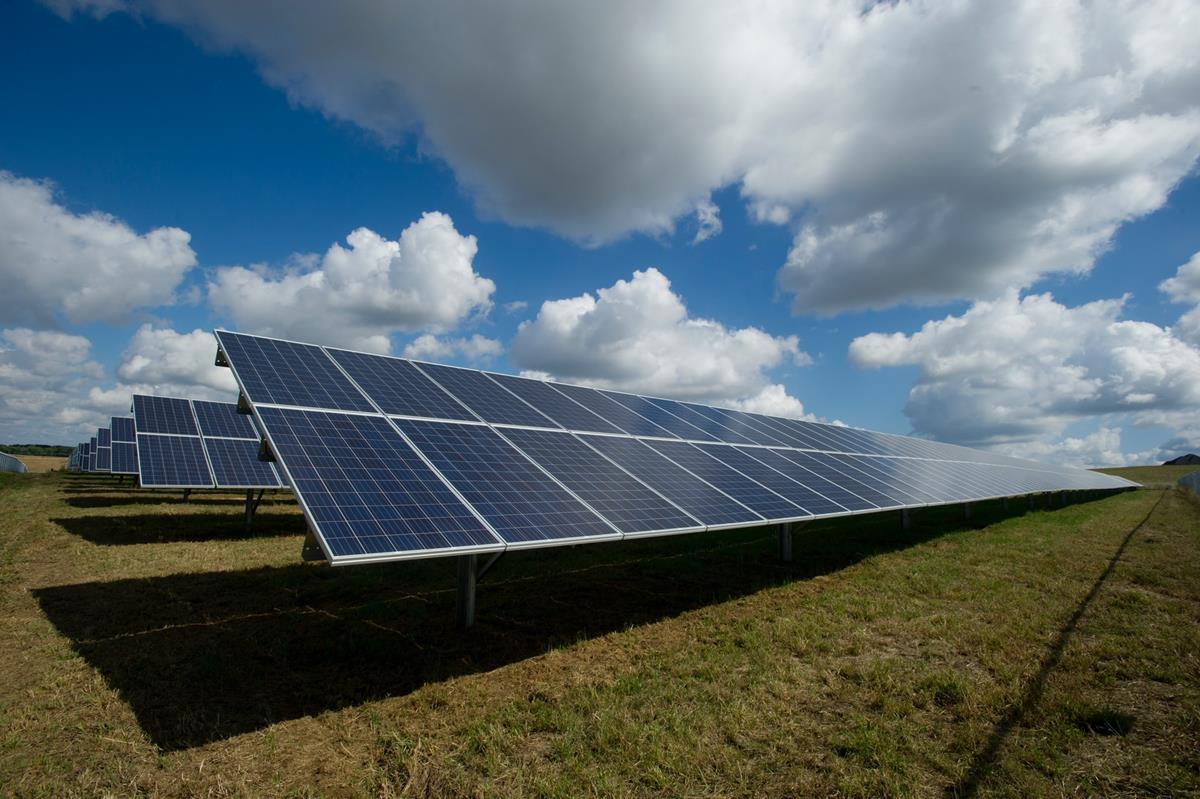 Zalety korzystania z odnawialnej energii słonecznej