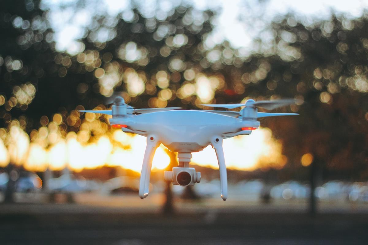 Prawidłowej obsługi drona należy się nauczyć