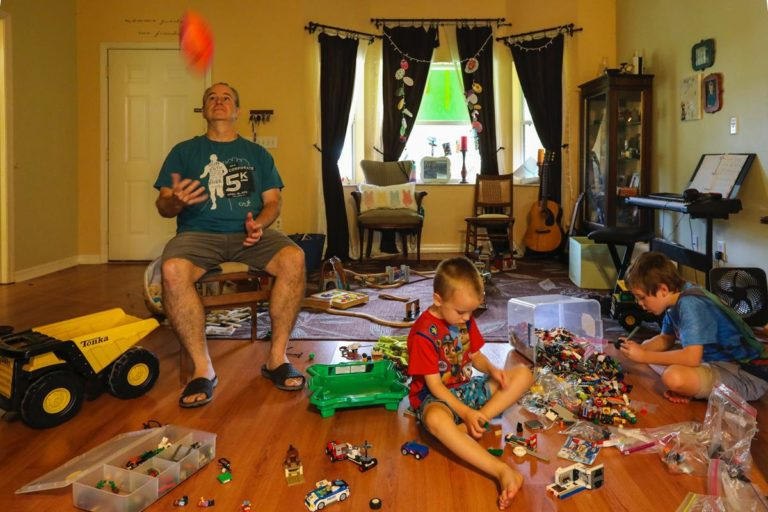Dzieci uwielbiają zabawki nawiązujące do ich ulubionych kreskówek