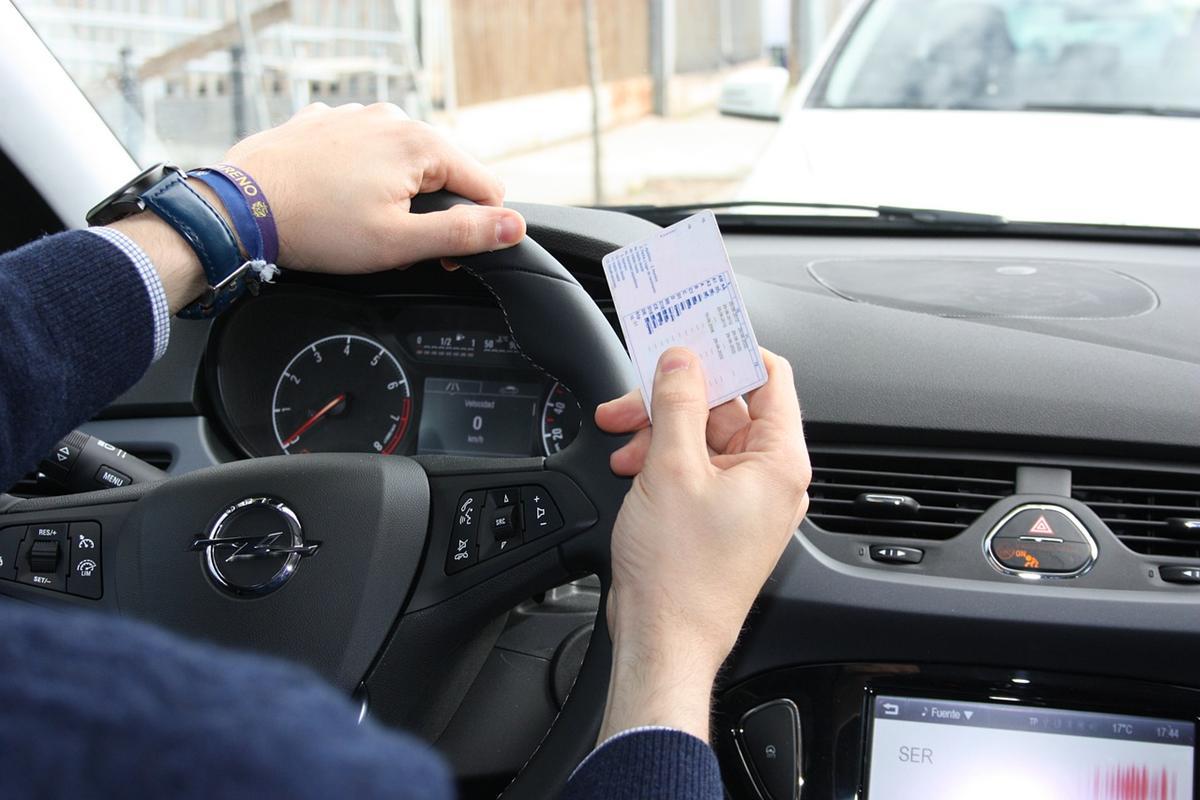 Formalności przy zakupach samochodów