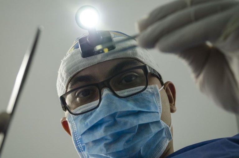 Czy warto mieć implanty?