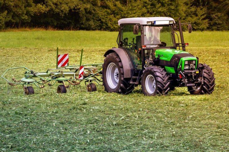 Jak zadbać o stan techniczny traktora i kombajnu?
