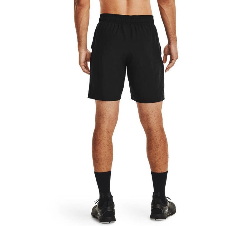 Mężczyźni często noszą odzież sportową również na co dzień
